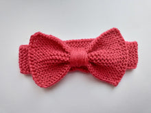 Load image into Gallery viewer, Knitted dog collar bow tie
