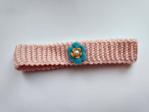 Knitted collar for dog or cat