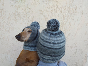 Hats with pom-poms for the hostess and the dachshund set