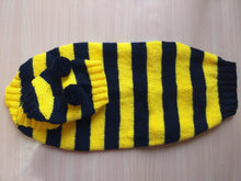 Load image into Gallery viewer, Bee costume for dachshund, sweater and hat bee for dachshund, bee costume for dog
