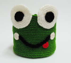 Knitted basket frog