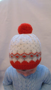 Knitted wool baby hat 4-7 years old with pompom