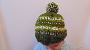Winter knit hat with pompom 4-7 years old