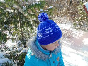 Hat with snowflakes and pompon boy cap is made for a boy of 4-7 years - dachshundknit