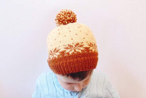 Knitted baby hat 4-7 years old with snowflake - dachshundknit