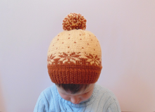 Load image into Gallery viewer, Knitted baby hat 4-7 years old with snowflake
