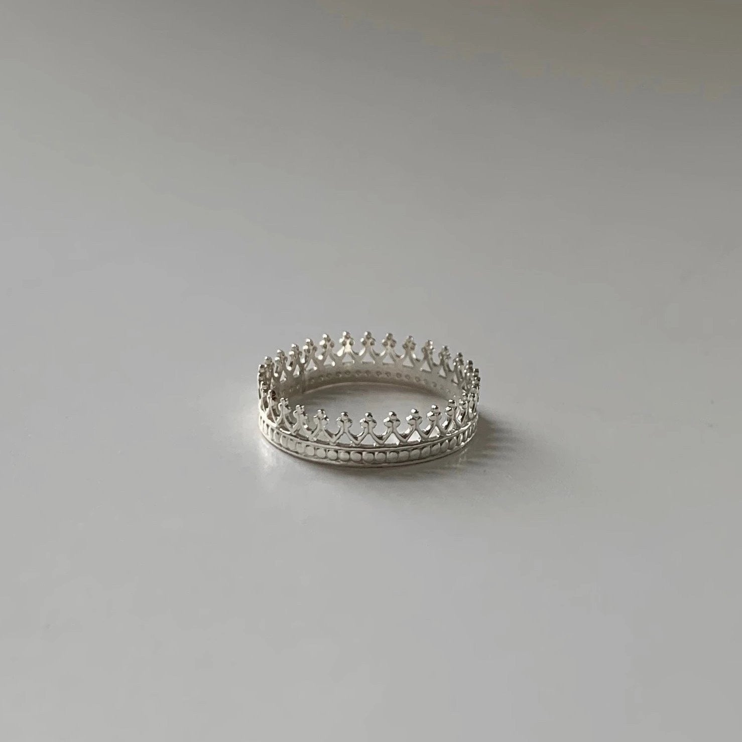 Crown Ring with Dot Border
