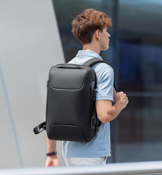 7 Laptop Backpacks For Your Successful Year On Campus