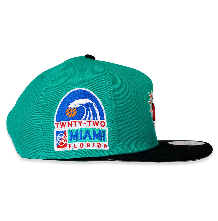 SUMMER WITH MIAMI CROWN™ TEAL