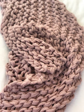 Load image into Gallery viewer, The Malini - Blush Chunky Knit Throw