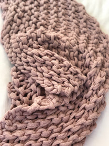 The Malini - Blush Chunky Knit Throw