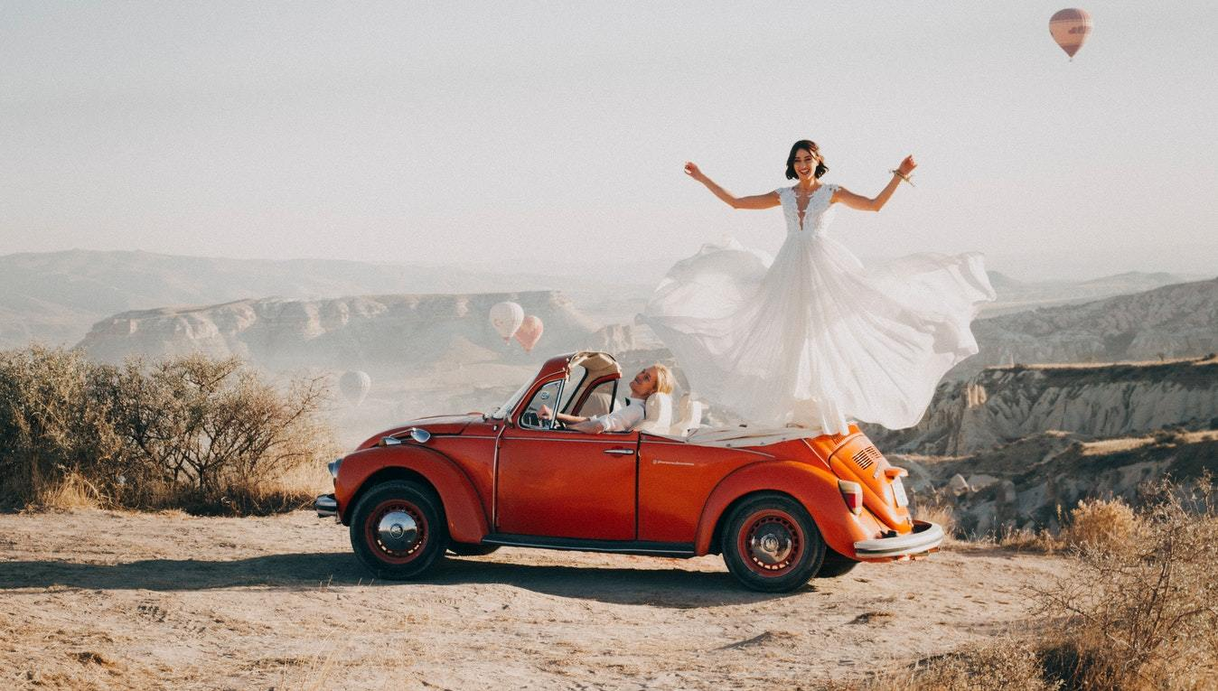 Tiny Details for Your Big Day: Incorporating a Classic Car in Your Wedding Pictures