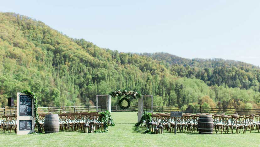 How to Choose the Right Décor for Your Wedding