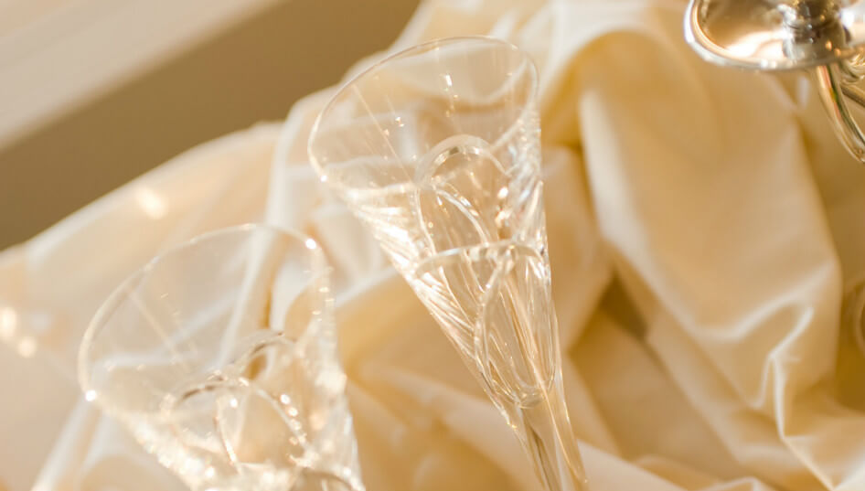 Do You Need to Have Alcohol at a Wedding