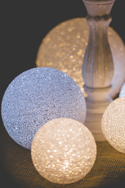 Richland Lola Sphere Medium - Cool White LED Lights Set of 12