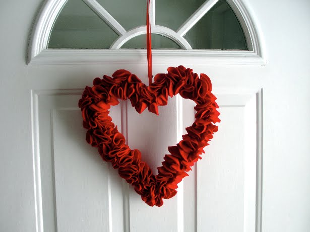 Styrofoam Heart Wreath 9in