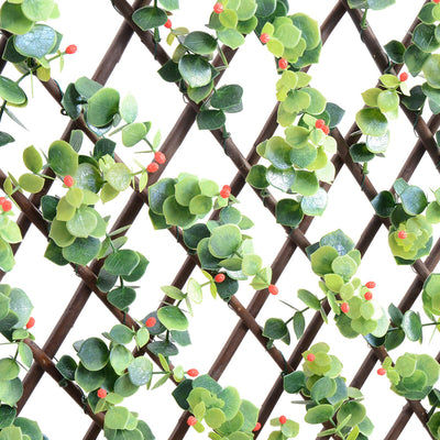 "Expandable Trellis Ilex and Red Berries 78"" x 39"""