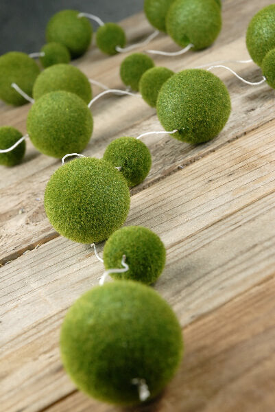 Moss Ball Garland 70in