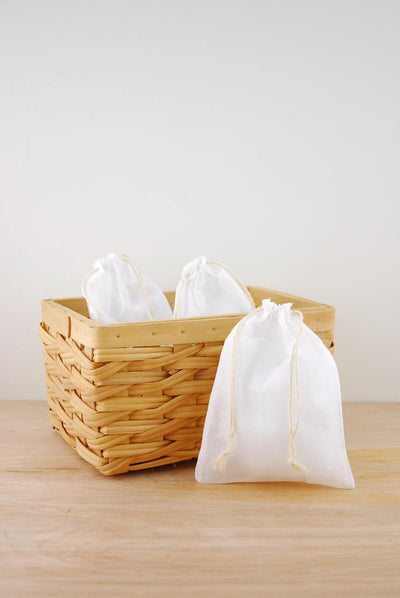 muslin favor bags white 5x7in pack of 12