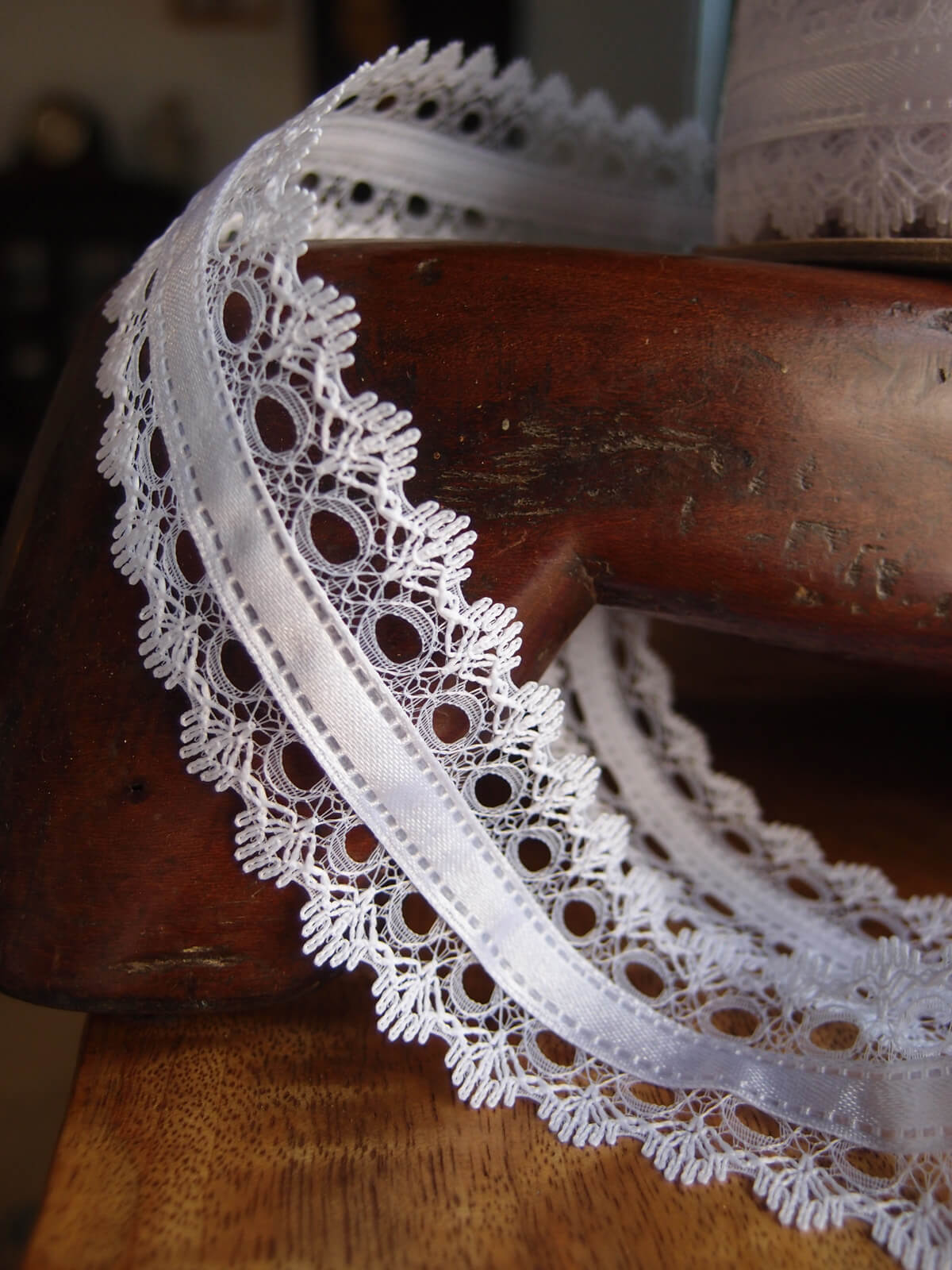 White Lace with White Satin Ribbon 1.5 width x 9yd Ochtersum Lace Ribbon