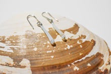 Load image into Gallery viewer, Dentalium Shell Earrings