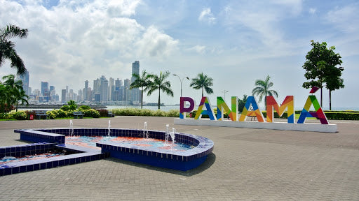 Panama Shopping and Touring