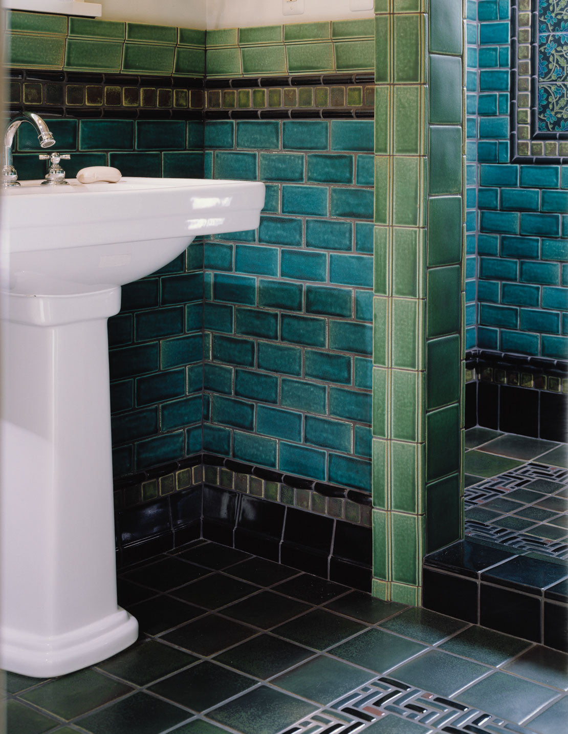 Of Course, Not All Subway Tile Needs To Be White! The Ocean Colored Subway  Tiles Shown In This Bathroom Provide A Wonderful Palette For This  Cool Toned Room ...