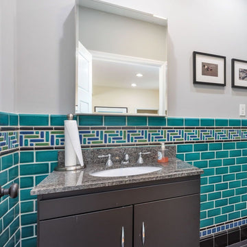 Mosaic Border Bathroom