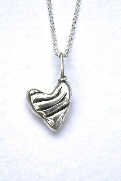 Silver hearts jewelry - Impressed