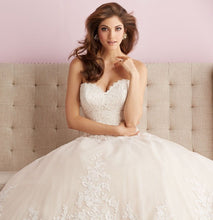 Load image into Gallery viewer, Allure Bridals 2701