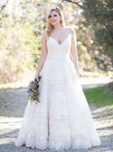 Load image into Gallery viewer, Allure Bridals W397