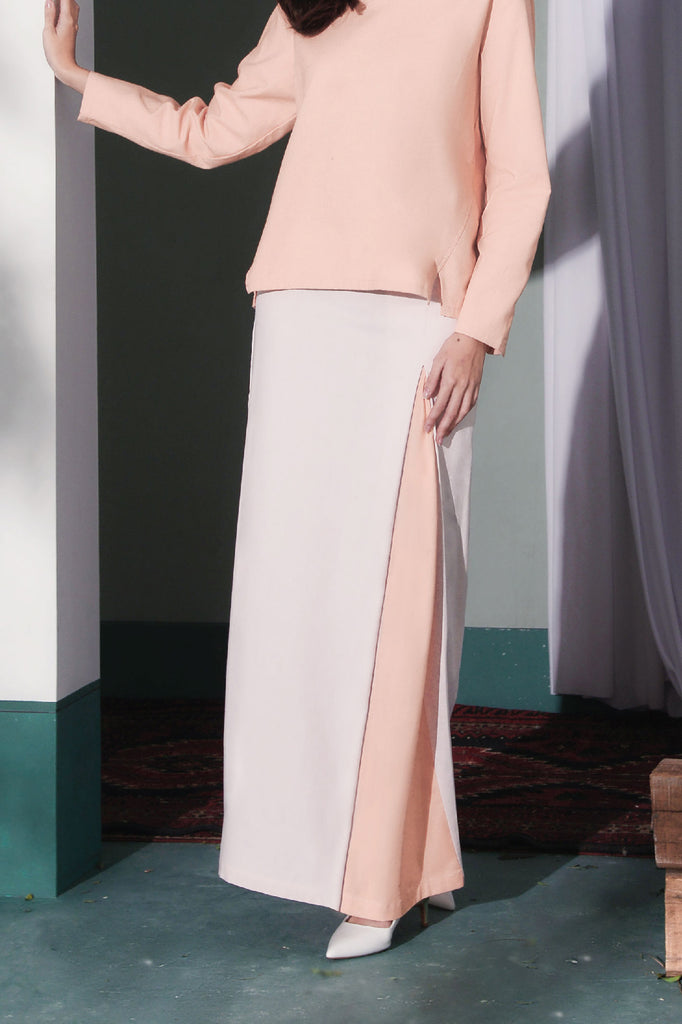 The Bayang Women Inverted Triangle Skirt - Light Pink