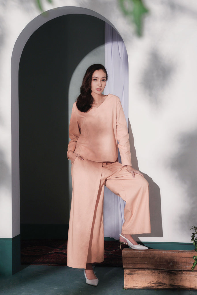 The Bayang Women Overlay Trousers - Peach
