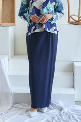 The Sungai Women Folded Skirt - Navy Blue