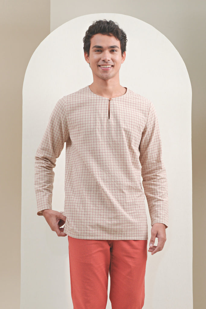 The Oasis Men Kurta - Checked Red