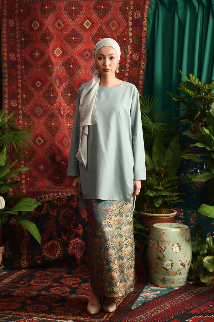 The Teratai Women Jacquard Skirt - Himalaya Emerald Green