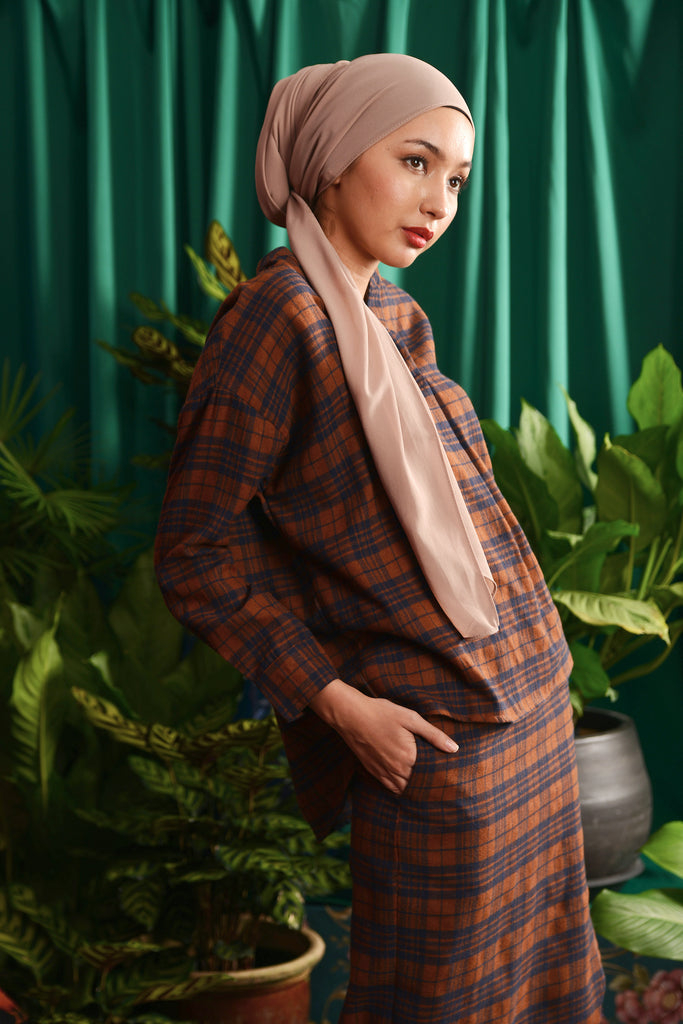 The Teratai Women Tulip Skirt - Checked Brown