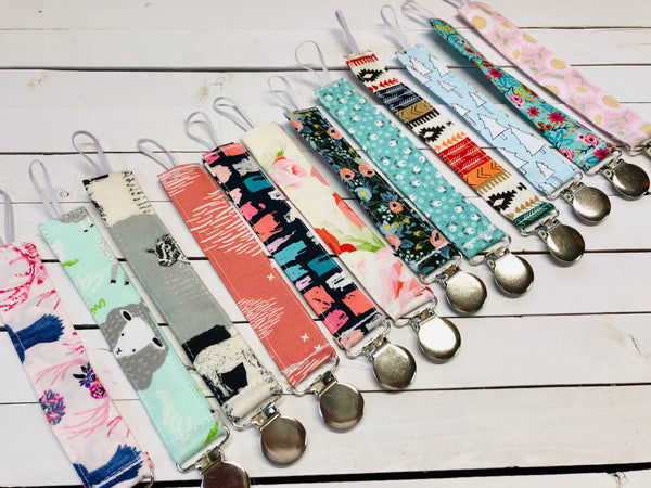 PACIFIER CLIPS (WHSL)