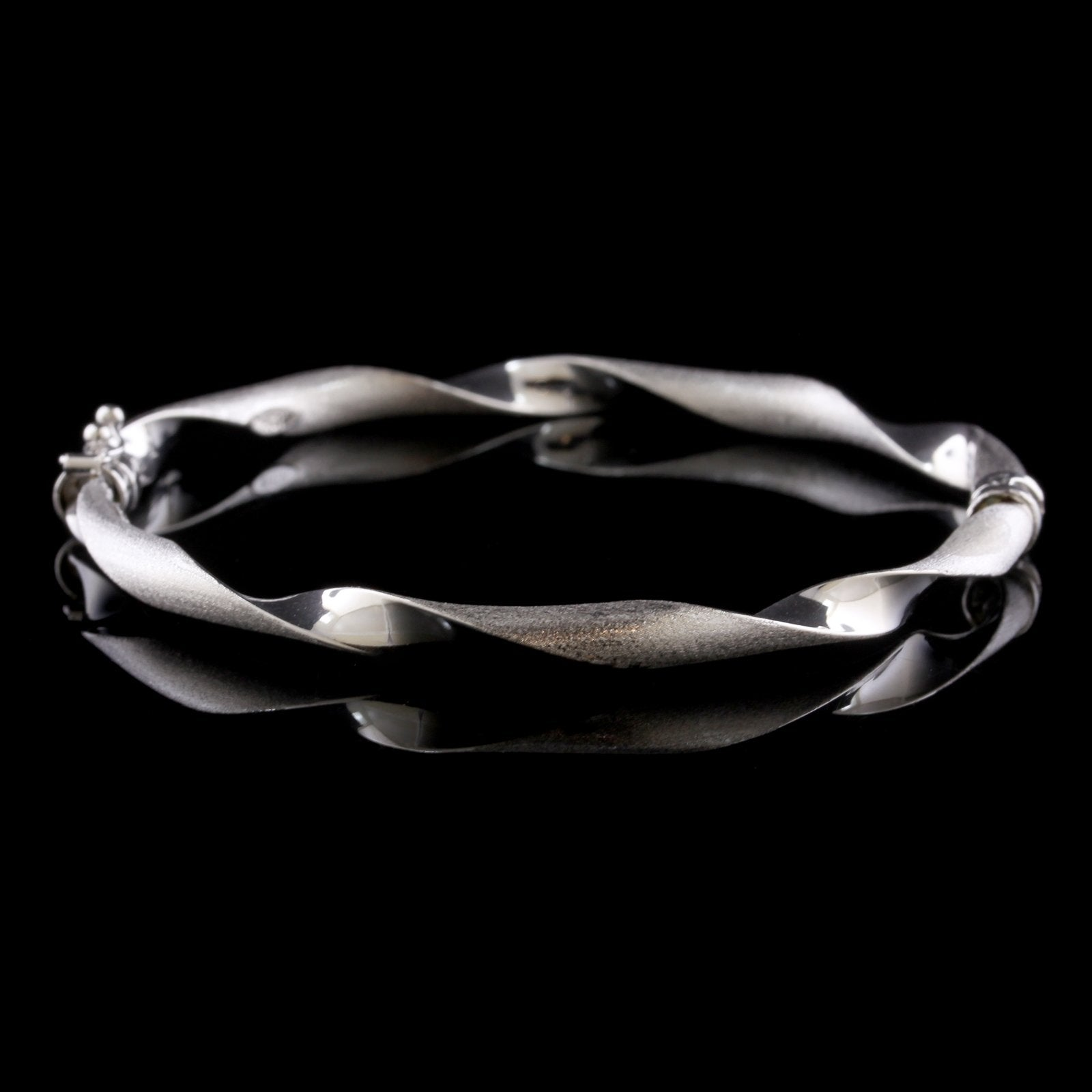 14K White Gold Estate Twisted Bangle Bracelet