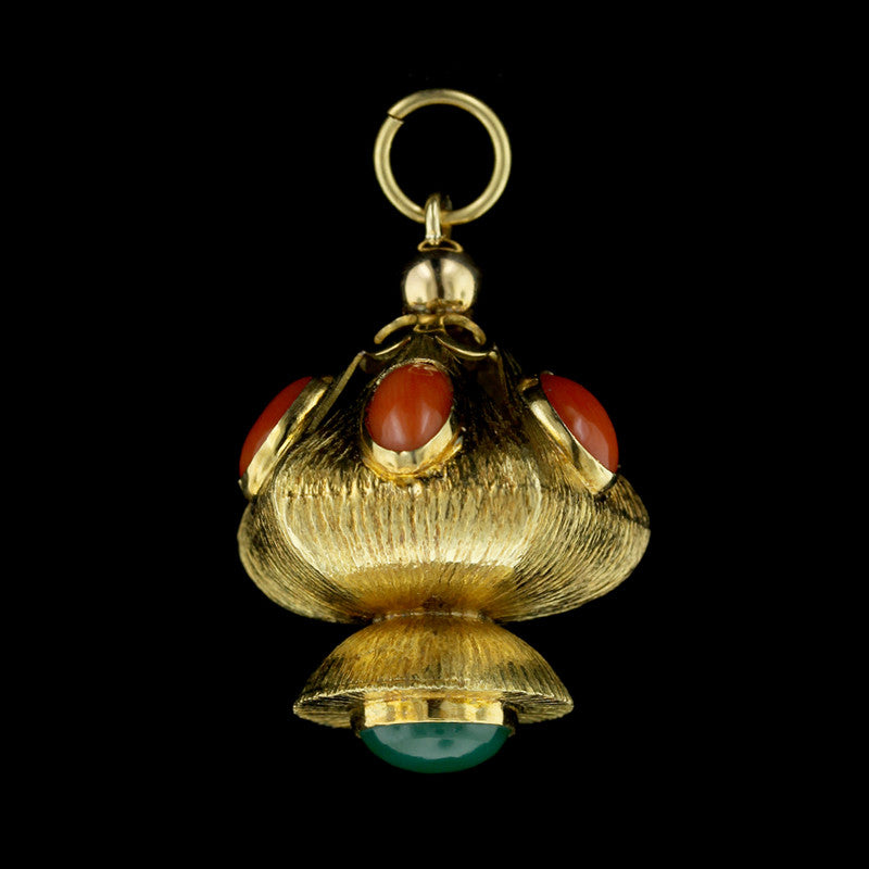 18K Yellow Gold Coral and Green Onyx Pendant
