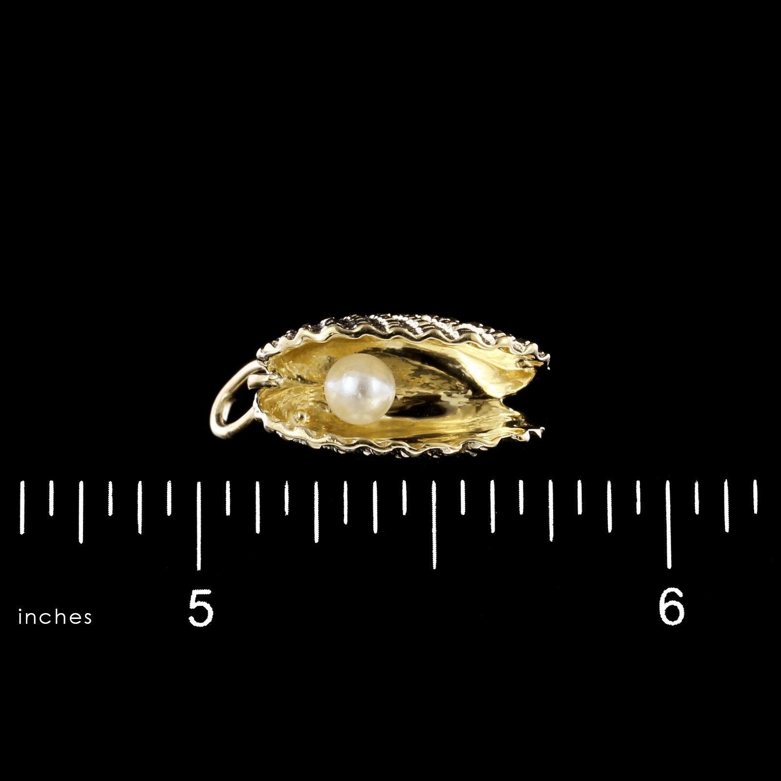 14K Yellow Gold Oyster with Pearl Charm