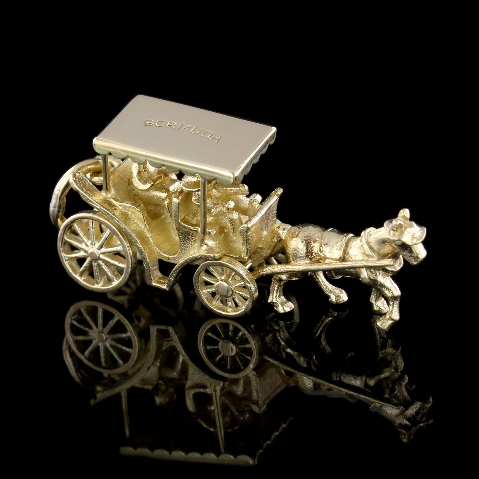 14K Yellow Gold Bermuda Horse Drawn Carriage Charm