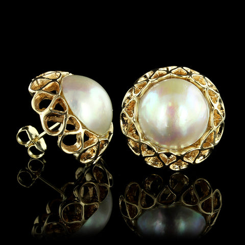 14K Yellow Gold Mabe Pearl Earrings.