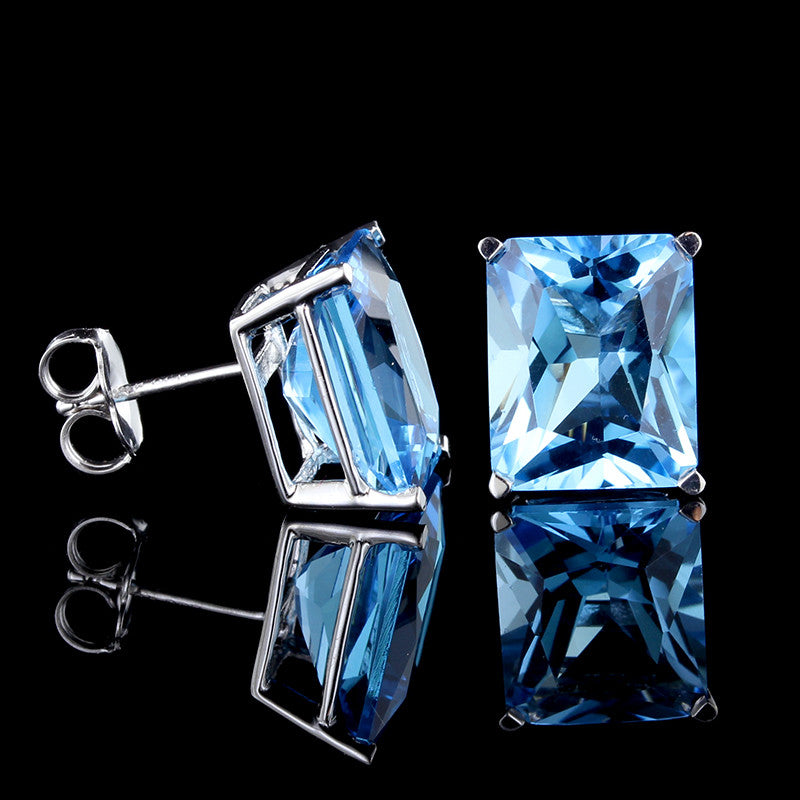 14K White Gold Blue Topaz Studs