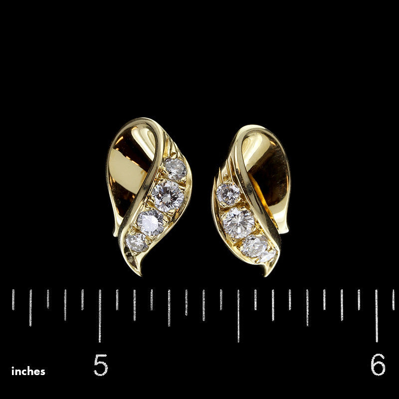 McTeigue 18K Yellow Gold Diamond Earrings