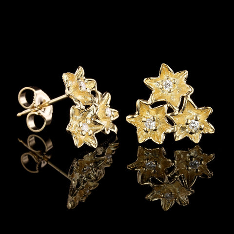 18K Yellow Gold Diamond Flower Pin