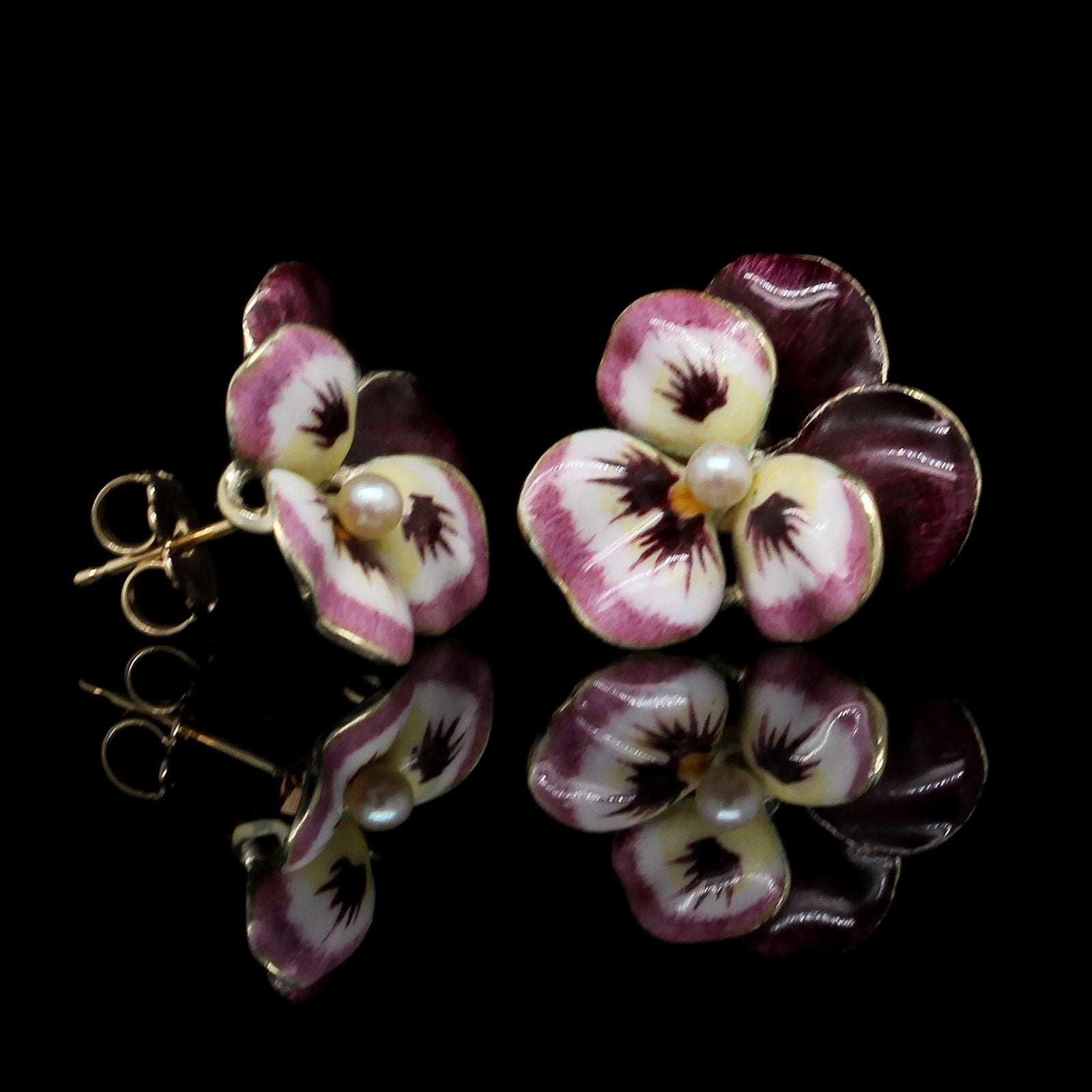 Vintage 14K Yellow Gold Enamel Pansy Flower Earrings