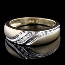 Men's Oval Sterling Silver Boston Marathon Ring with Stylized Unicorn Logo