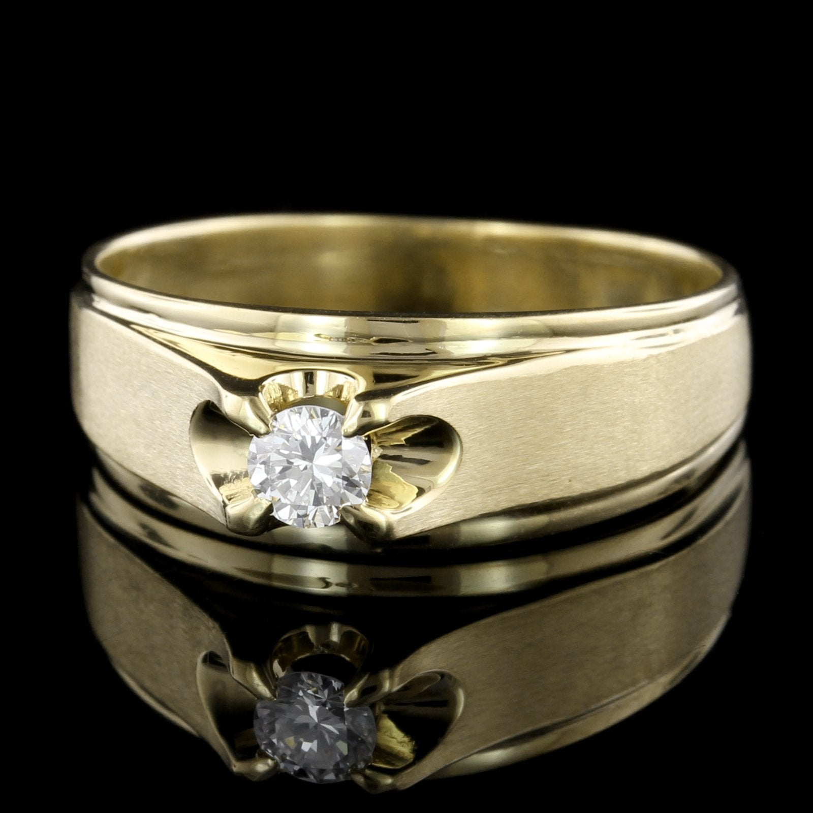 18K Yellow Gold Estate Diamond Ring