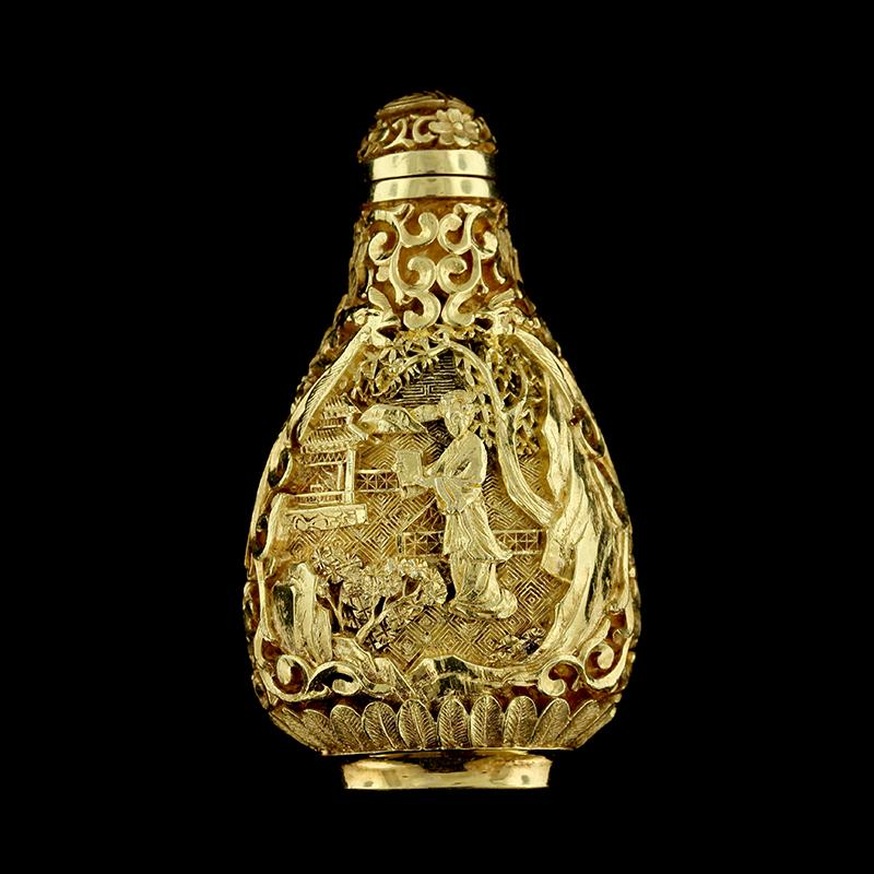 Chinese 21K Yellow Gold Chinoiserie Snuff Bottle